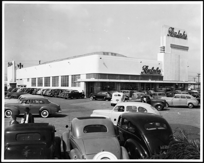 Opening Day of Ralph's Supermarket/ April 25, 1942/