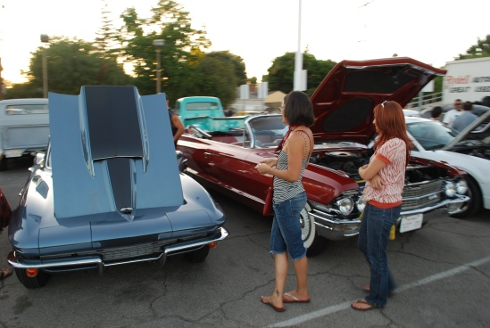 Vette Caddy Girls