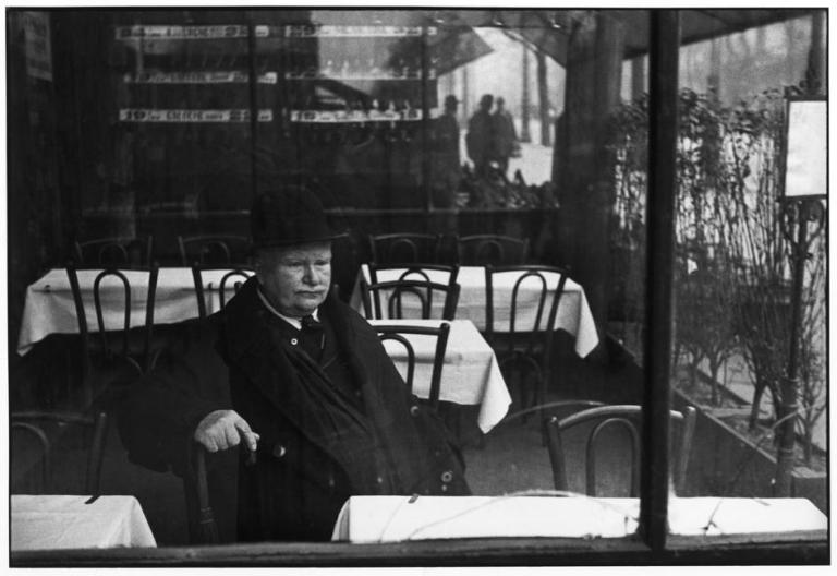 Henri Cartier-Bresson FRANCE. Paris. Avenue du Maine. 1932.