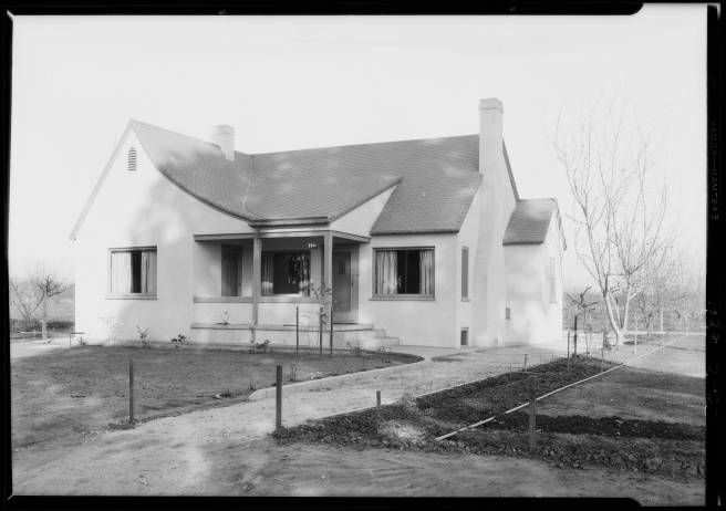 Van Nuys 1926. Dick Whittington Studios.