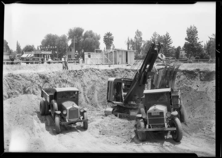 Construction_of_new_city_hall_Van_Nuys_Los_Angeles_CA_1932_image_1