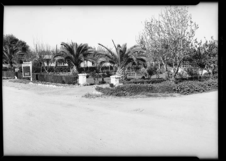 Residence of George Krug, 7140 Van Nuys Bl. Van Nuys, CA, 1932