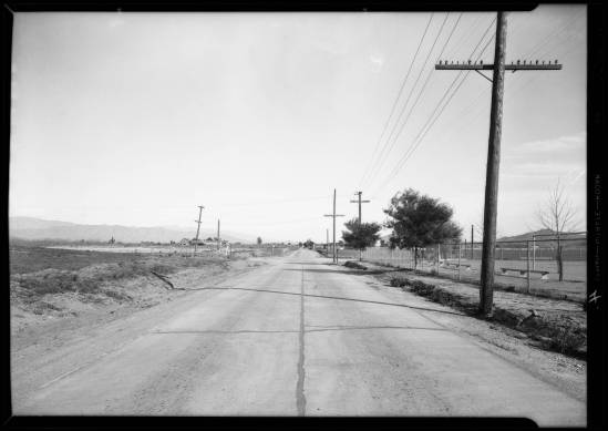 Intersection_of_Riverside_Drive_and_Woodman_Avenue_near_Van_Nuys_Los_Angeles_CA_1932_image_2