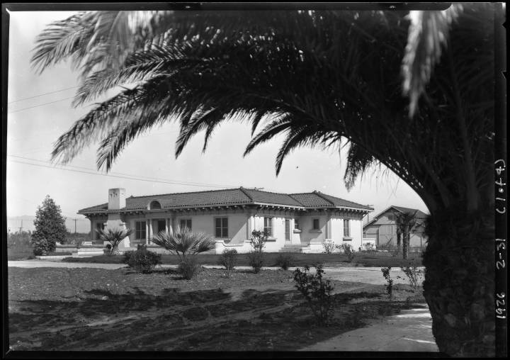 Wagner_Thoreson_scenes_at_Van_Nuys_Los_Angeles_CA_1926_image_1