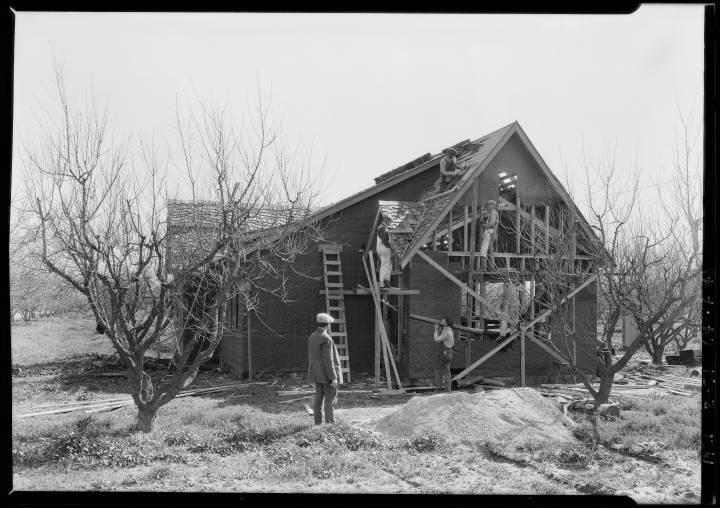 Wagner_Thoreson_scenes_at_Van_Nuys_Los_Angeles_CA_1926_image_4