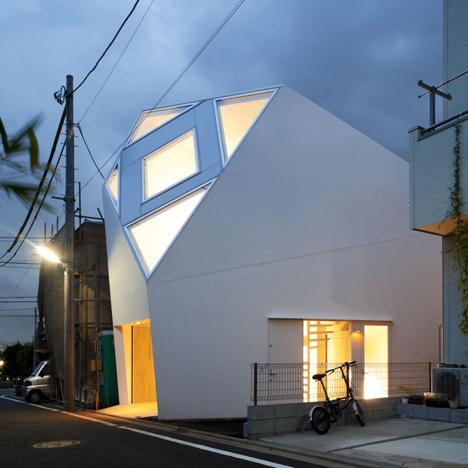 Monoclinic-House-by-Kazuko-SakamotoAtelier-Tekuto_dezeen_sq