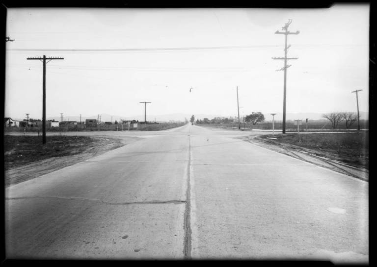 Bossout_case_intersection_of_Vanowen_Street__Laurel_Canyon_Boulevard_Southern_California_1931_image_1