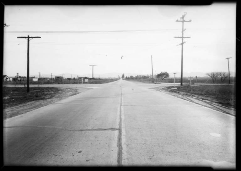 Bossout_case_intersection_of_Vanowen_Street__Laurel_Canyon_Boulevard_Southern_California_1931_image_1
