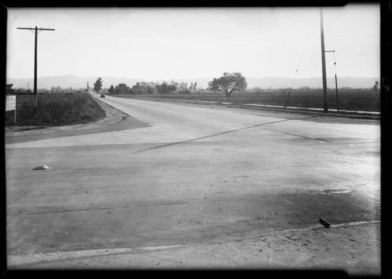 Bossout_case_intersection_of_Vanowen_Street__Laurel_Canyon_Boulevard_Southern_California_1931_image_5