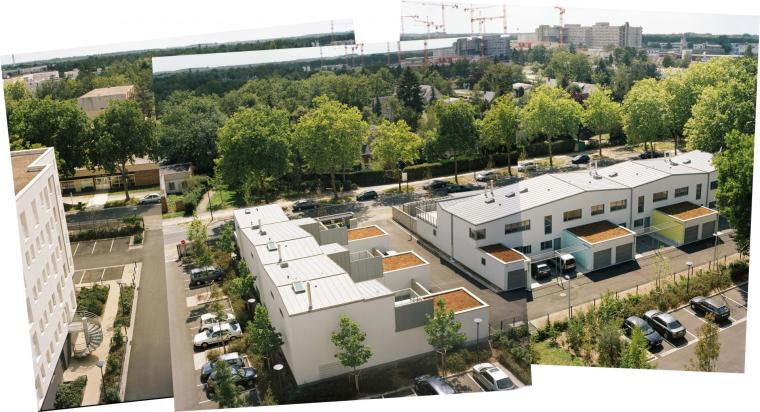 9 Houses and 24 bioclimatic collective housing units by Fleury, Benjamin / Photo: Emmanuelle Blanc