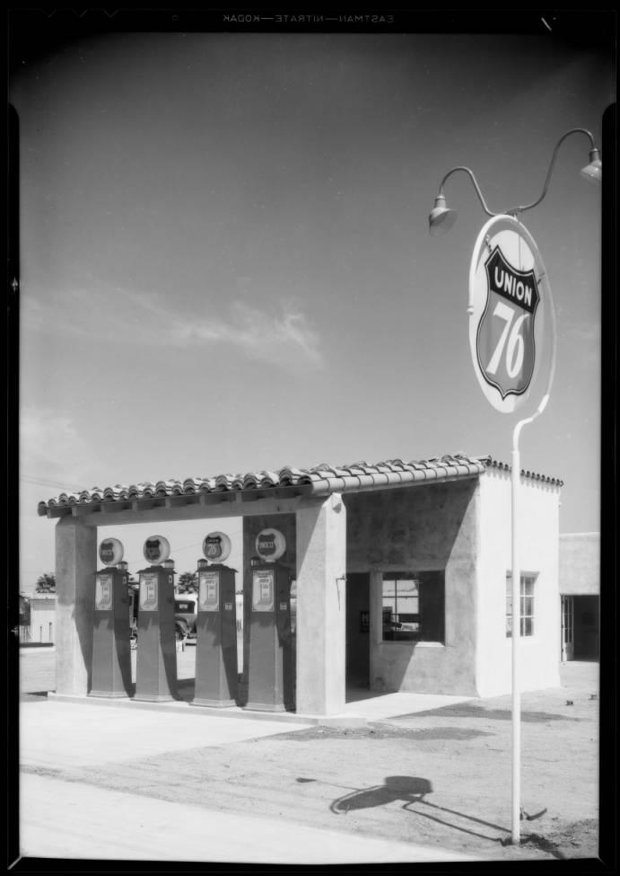Station_at_1802_Montana_Street_Southern_California_1933_image_1