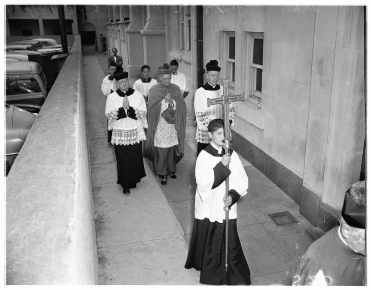 Special_4th_of_July_rites_at_St_Vibianas_1951-2
