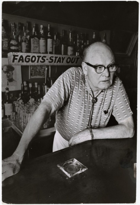 Bill Eppridge, [Barney Anthony with sign he put up his bar on Santa Monica Boulevard, Los Angeles], March 16, 1964