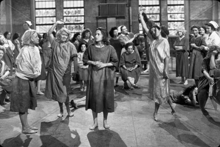 """Olivia DeHavilland in """"The Snake Pit"""" (1948)"""
