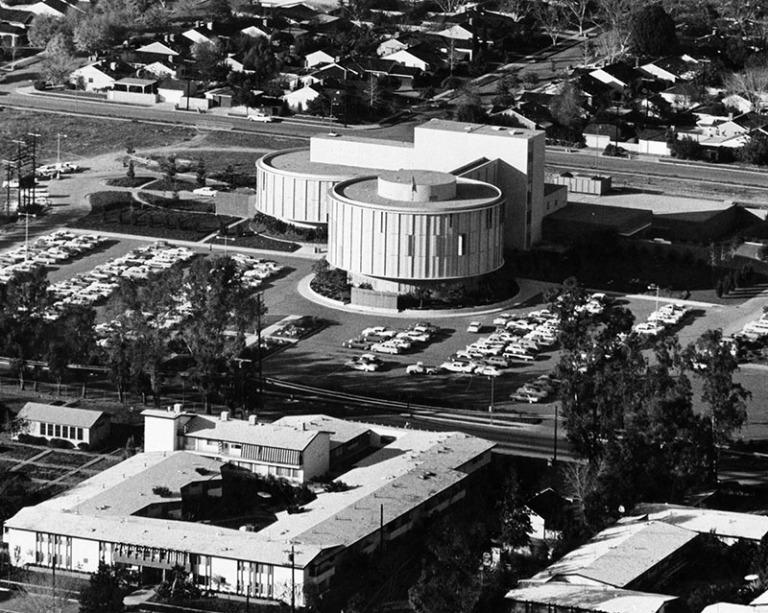 Valley Presbyterian Hospital, 15107 Vanowen Street, Van Nuys, designed by Pereira & Luckman. Photograph dated January 15, 1964 Ph: Geo. Brich