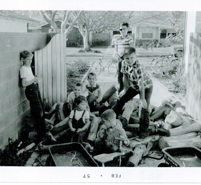 12/1957 Neighborhood children